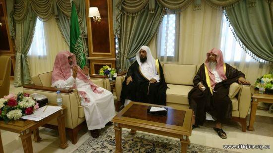 زيارة أعضاء مجلس إدارة الجمعية لمعالي مدير جامعة الإمام محمد بن سعود الإسلامية